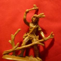 Figurina - Indian - taind o craca de copac, plastic, h= 8, 6 cm