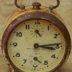 CEAS DE MASĂ DEȘTEPTĂTOR ROMÂNESC - PRECIZIA ARAD - FABRICAT ÎN RPR, VECHI 1950! - Ceas de masa