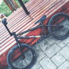 Vând/Schimb cu iPhone 6 bmx mongoose cu bar wethepeople - Bicicleta BMX Mongoose, 22 inch, 12 inch, Numar viteze: 1