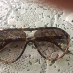 Vând ochelarii - Ochelari de soare Tom Ford, Femei