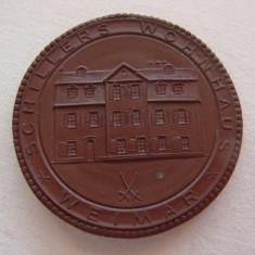 Placheta din portelan MEISSEN cu efigia Friedrich von Schiller