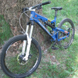 Bicicleta Downhill, MTB Full Suspension, construita in 2015