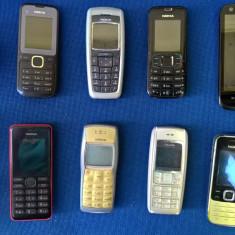 Telefoane vechi și încărcătoare