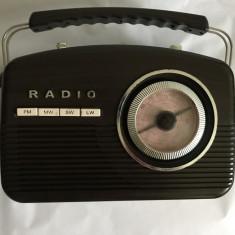 Radio portabil analog de colectie VIntage 4 benzi, Nordmende