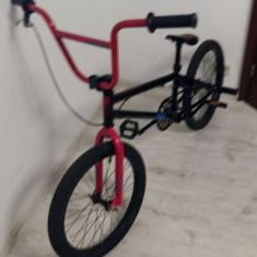 Tipul bicicletei - BMX Culoare - negru/rosu, marime-medie, stare bicicleta-noua - Bicicleta BMX Nespecificat, 20 inch, Numar viteze: 1