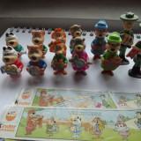 K036 - Kinder set complet Yogi (12 jucarii) cu 3 hartiute BPZ 1995 - Surpriza Kinder