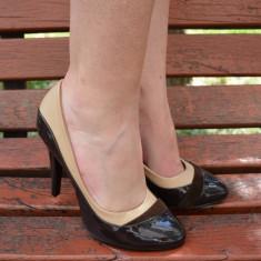 Pantof cu toc inalt, varf rotund, model rafinat pe maro-bej (Culoare: MARO-BEJ, Marime: 35) - Pantof dama