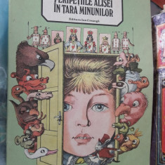 Peripetiile Alisei In Tara Minunilor - Lewis Carroll - Carte de povesti