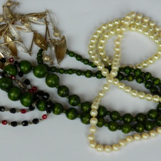 Cinci coliere vintage