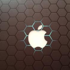 Vand Laptop Macbook Air Apple 13' ca nou, 13 inches, Intel Core i5, 120 GB