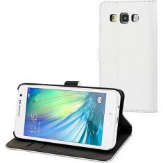 Husa Flip Cover Muvit 106219 Slim S alba pentru Samsung Galaxy A3 - Husa Telefon