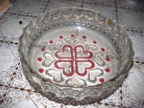 Fructiera veche din sticla transparenta cu rubin.