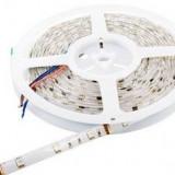 Banda LED Whitenergy flexibila 5m rezistenta la apa