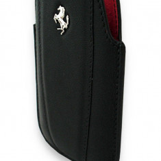 Toc Ferrari Femoipbl Modena negru pentru Apple iPhone 3GS / 4 - Husa Telefon