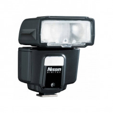 Blitz extern Nissin i40 pentru Canon - Blitz dedicat