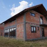 Casa la rosu de vanzare in Pecica 570 MP - Casa de vanzare, 120 mp, Numar camere: 4