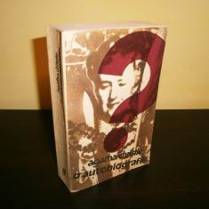 Agatha Christie-O autobiografie, 1986,Univers!