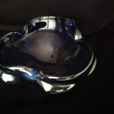 Scrumiera rotunda din sticla albastra cu irizatii - Scrumiera sticla