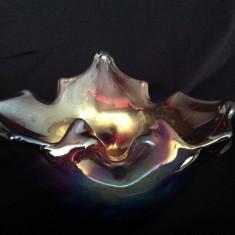 Scrumiera eleganta din sticla visinie cu irizatii - Scrumiera sticla