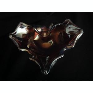 Scrumiera eleganta din sticla visinie cu irizatii