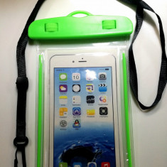 Husa Subacvatica pentru Telefon Universala Fosforescenta verde 30m capacitate - Husa Telefon