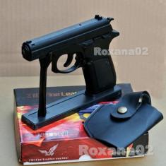 BRICHETA Pistol Makarov. Model deosebit METAL REALIST. Mecanism activ + Husa - Spray paralizant