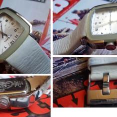 Superb ceas unisex DIESEL 5bar model DZ5110 - Ceas barbatesc Diesel, Quartz, Piele