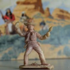 (16)Cowboy si indieni romanesti, perioada comunista, figurina plastic, anii '80