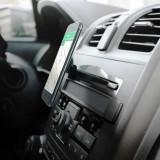 Suport magnetic pentru telefon sau tableta cu prindere in fanta CD-ului - Suport auto