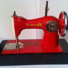 Bnk jc URSS - masina de cusut - jucarie - functionala - Jucarie de colectie