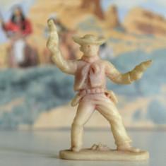 (17)Cowboy si indieni romanesti, perioada comunista, figurina plastic, anii '80