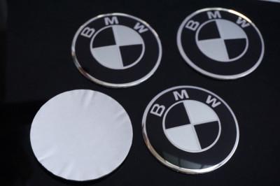 4 Embleme / Logo / Insigne Pentru BMW 56.5mm - Alb Cu Negru -Pentru Roti / Jante foto