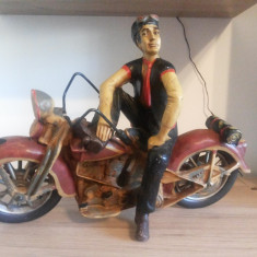 Macheta motociclist, pe motocicleta, Harley Davidson