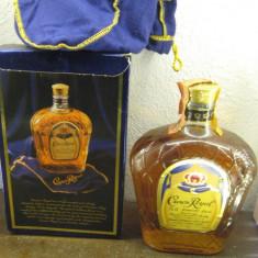 R A R E whisky crown royal, cl 70 gr 40 ani 80