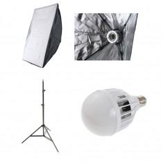 Kit lumina continua videochat: softbox 50x70cm fasung E27 incorporat + bec LED 30W 5500k + stativ 220cm - Blitz slave