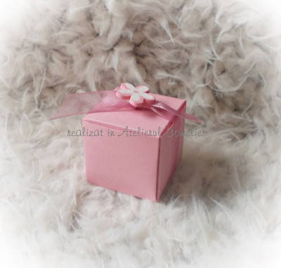 Kit 50 marturii botez (cutie cub/ funda/ floare) ROZ - pret redus foto