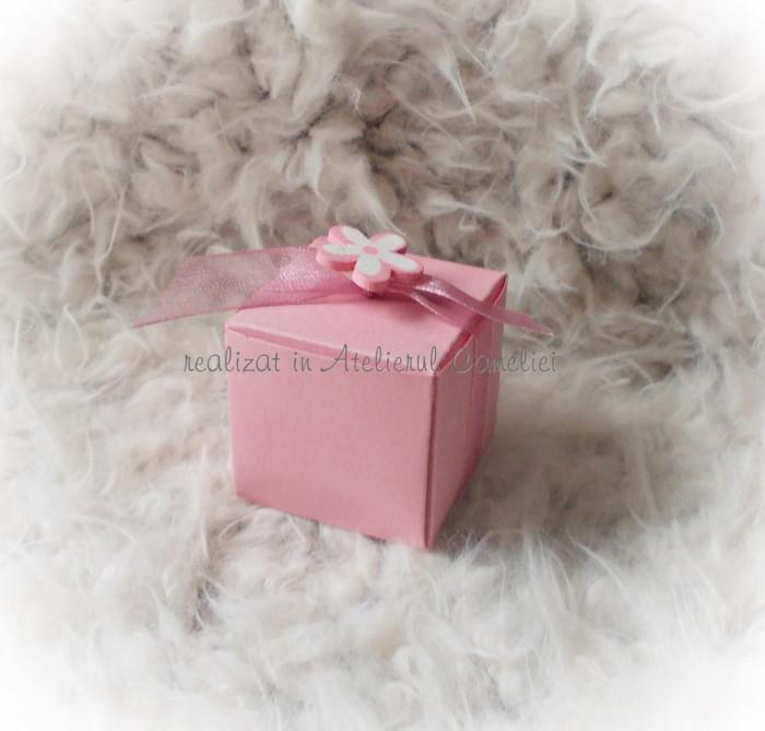 Kit 50 marturii botez (cutie cub/ funda/ floare) ROZ - pret redus