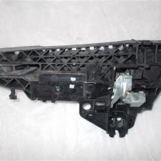 Maner usa dreapta spate Audi A3 an 2013 cod 8T02837886