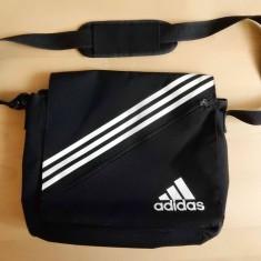 Geanta laptop Adidas; 36 x 32 cm x 12 cm; 9 compartimente; impecabila - Geanta Barbati, Marime: Medie, Culoare: Din imagine, Geanta tip postas