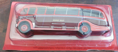 Macheta metal autobuz AEC Regal III Harrington - IXO noua, in blister, 1:43 foto