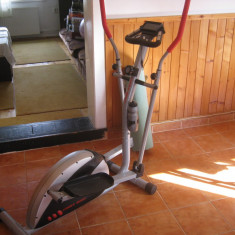 Bicicleta eliptica magnetica First Bike DM1600 f. putin folosita - Bicicleta fitness