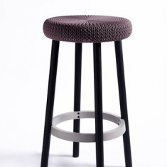 Scaun de bar inalt cu picioare din metal Cozi CURVER - Scaun living
