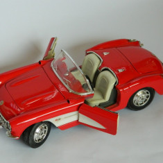 Masinuta CHEVROLET (1957) CORVETTE (23, 5 cm lungime!) - Macheta auto Alta, 1:18