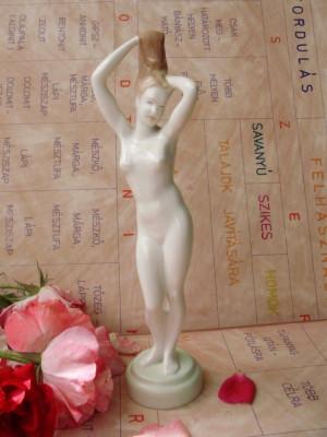 nud portelan maghiar foto