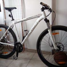 Bicicleta Merida BIG NINE TFS 300 D 29er (model 2013) - Mountain Bike Merida, 21 inch, Numar viteze: 27