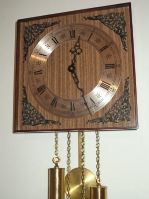 Ceas de perete ,pendula cu 2 greutati marca Hermle in stare exceptionala foto