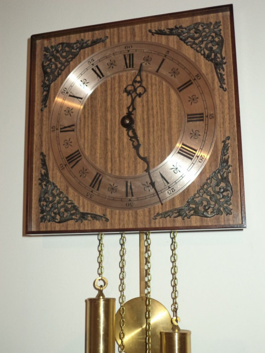 Ceas de perete ,pendula cu 2 greutati marca Hermle in stare exceptionala foto mare