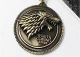 Pandantiv metalic Game Of Thrones - House Stark (cu lantisor)