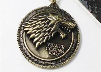 Pandantiv metalic Game Of Thrones - House Stark (cu lantisor) foto