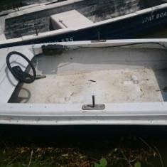 Barca ieftina in perfecta stare de functionare - Barca Pescuit